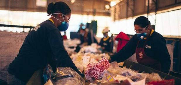 O bilionário mercado do lixo